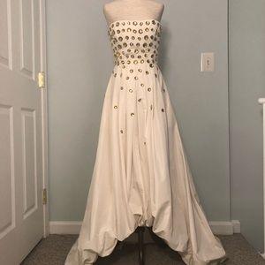 NWT BCBGMAXAZRIA TAFETTA Gardenia  Gown  size 2